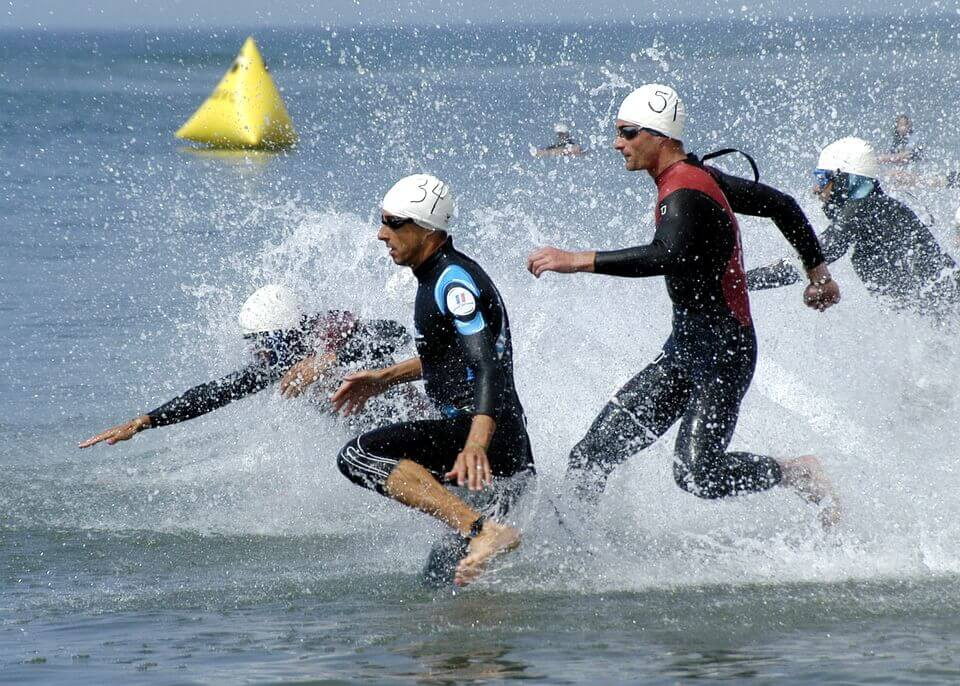 el mejor traje de neopreno para triatlon y natacion en aguas abiertas flotabilidad yamamoto - jorge guzman entrenos natacion barcelona sitges
