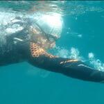 Jose Manuel alumno natación Jorge Guzmán entrenador natación en el mar barcelona sitges