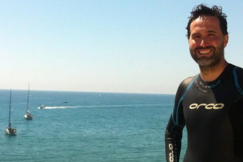 jorge guzman entrenos personales de natacion en el mar durante todo el año invierno verano